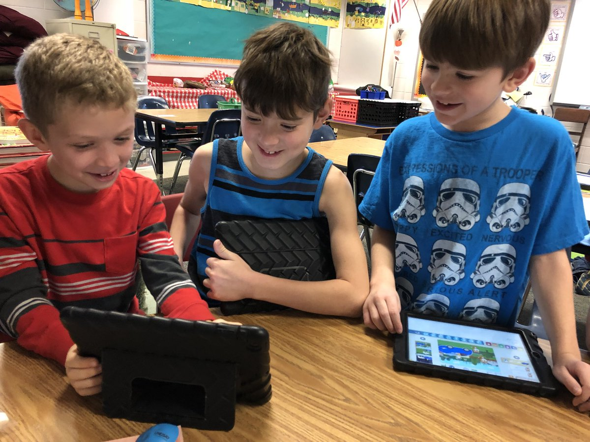 Coding with Scratch Jr. today at Coding Club! <a target='_blank' href='http://search.twitter.com/search?q=DLDay'><a target='_blank' href='https://twitter.com/hashtag/DLDay?src=hash'>#DLDay</a></a> <a target='_blank' href='http://search.twitter.com/search?q=DLDayAPS18'><a target='_blank' href='https://twitter.com/hashtag/DLDayAPS18?src=hash'>#DLDayAPS18</a></a> <a target='_blank' href='https://t.co/aoIvDOrX6o'>https://t.co/aoIvDOrX6o</a>