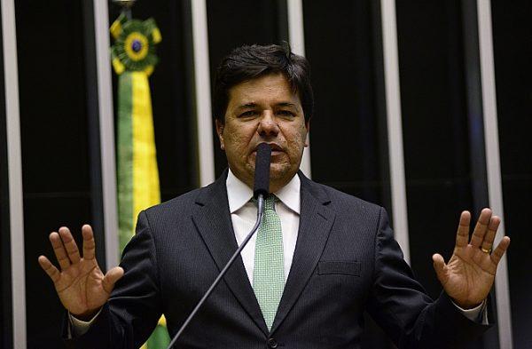 Mendonça Filho é alvo de ação de ex-reitor da UnB, deputados e advogados https://t.co/62BTx5248T