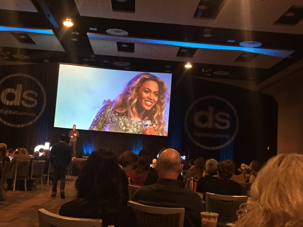 """Running the World with @Beyonce marketing inspiration and great @UofA grad speaker @michaeljbarber. """"Get crazy in love with people.""""  #DSPHX <br>http://pic.twitter.com/OWrAj0EMPQ"""