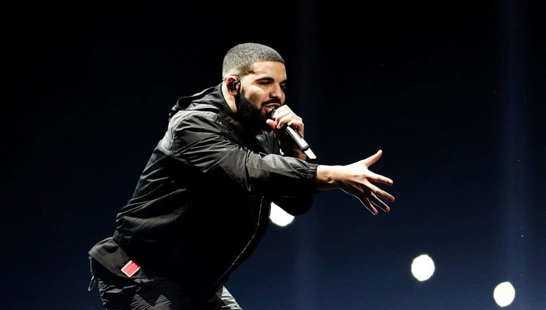 Is Drake leaving Jordan Brand?   Sources say the rapper is in talks with adidas: https://t.co/92v174TdQ0