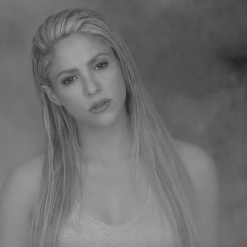 .@Shakira y @maluma son los #1 en el top...