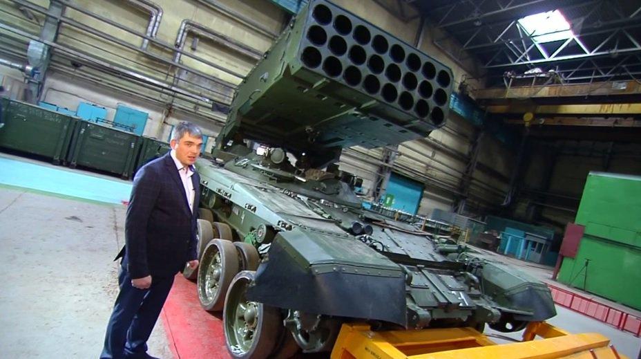 الجزائر اشترت من روسيا راجمات الصواريخ TOS-1A  DWqv3yeX4AA2FGC
