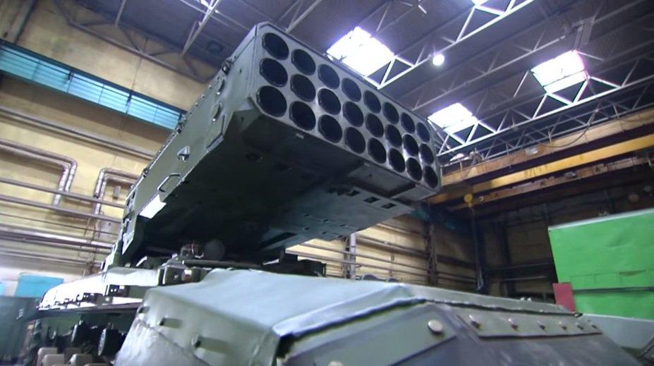 الجزائر اشترت من روسيا راجمات الصواريخ TOS-1A  DWqv58QX0AEKe4L