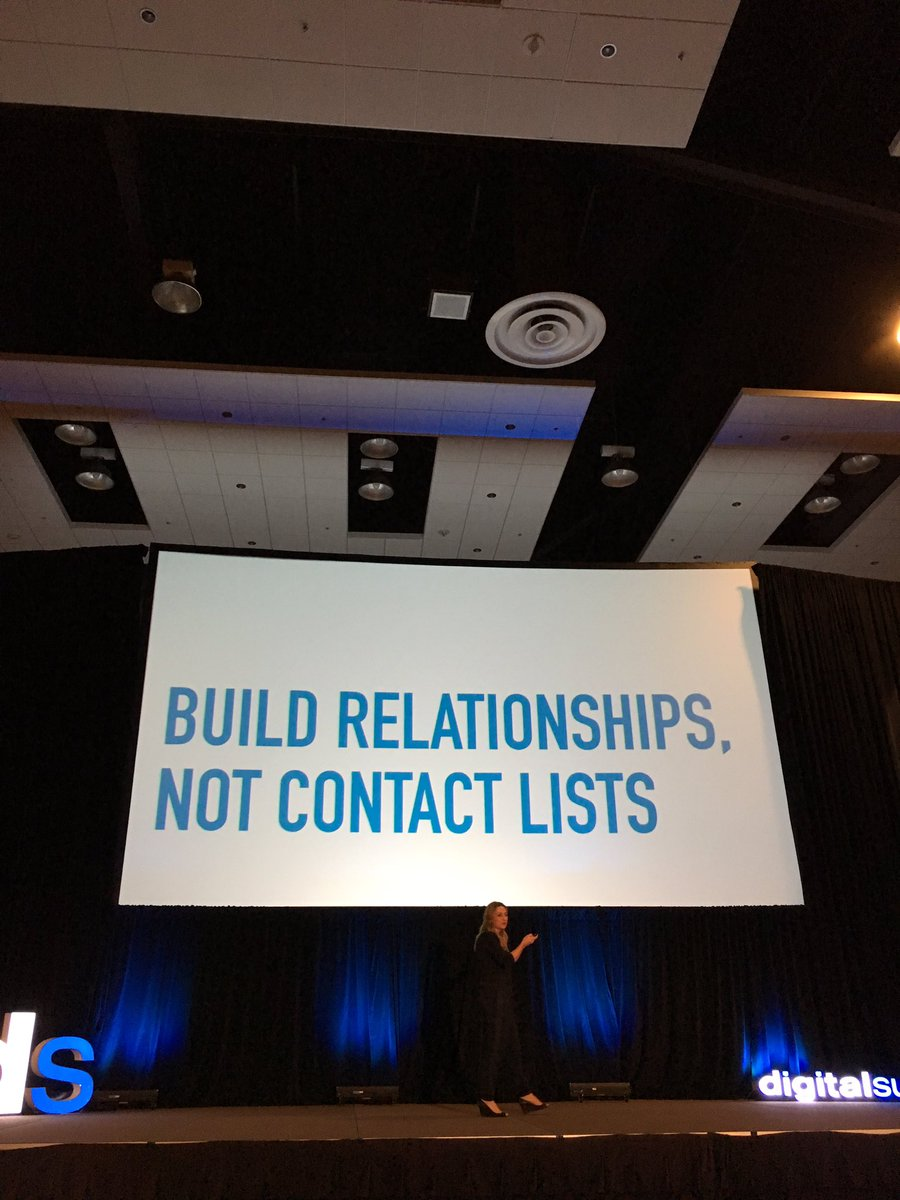 Hell yeah!  @AnnieG #AI #DSPHX <br>http://pic.twitter.com/QQz5AJSJiE