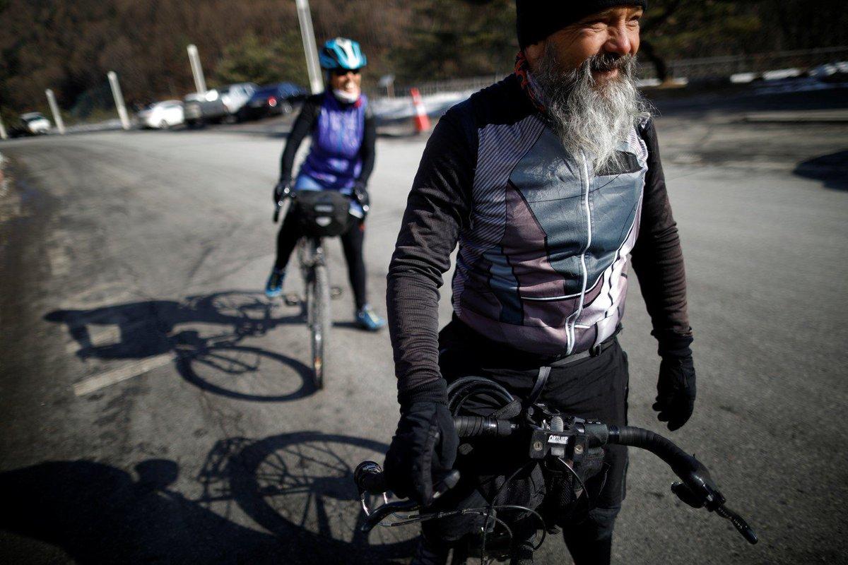 Pai e madrasta pedalam 17 mil quilômetros para ver esquiador competir em PyeongChang https://t.co/SBQb0wCuTS