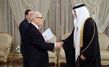 فخامة رئيس الجمهورية التونسية يتسلم أورا...