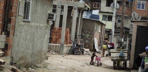 Após tiroteios, polícia acha 'área de lazer' do tráfico e prende suposto fornecedor de armas na Maré https://t.co/rLpjHK2ebR