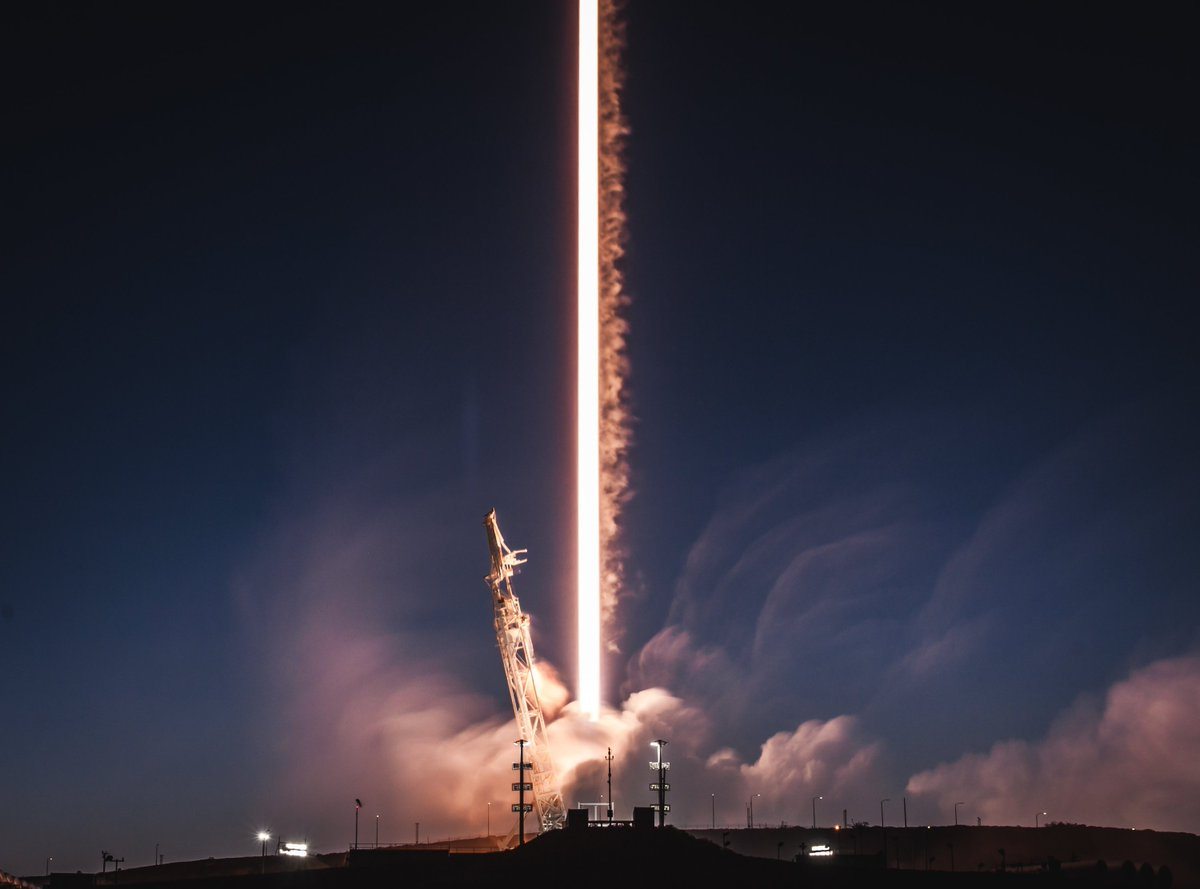 More photos from today's Falcon 9 launch → https://t.co/095WHX44BX