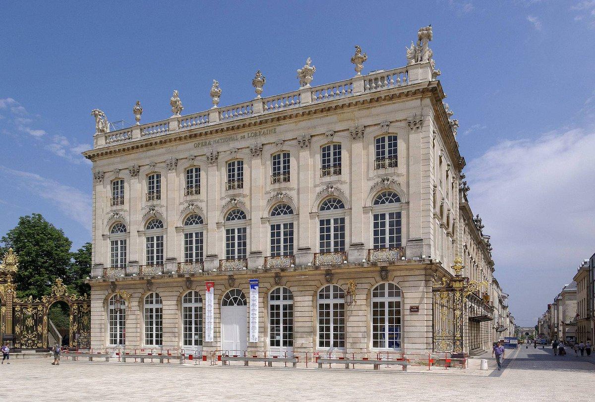 ▶️ La place Stanislas a été voulue par le roi Stanislas Leszczynski qui reçoit le duché de Lorraine des mains de son gendre Louis XV au prix de son abdication au trône de Pologne. 🏰 #secretsdhistoire #MagnifiqueFrance @VilledeNancy