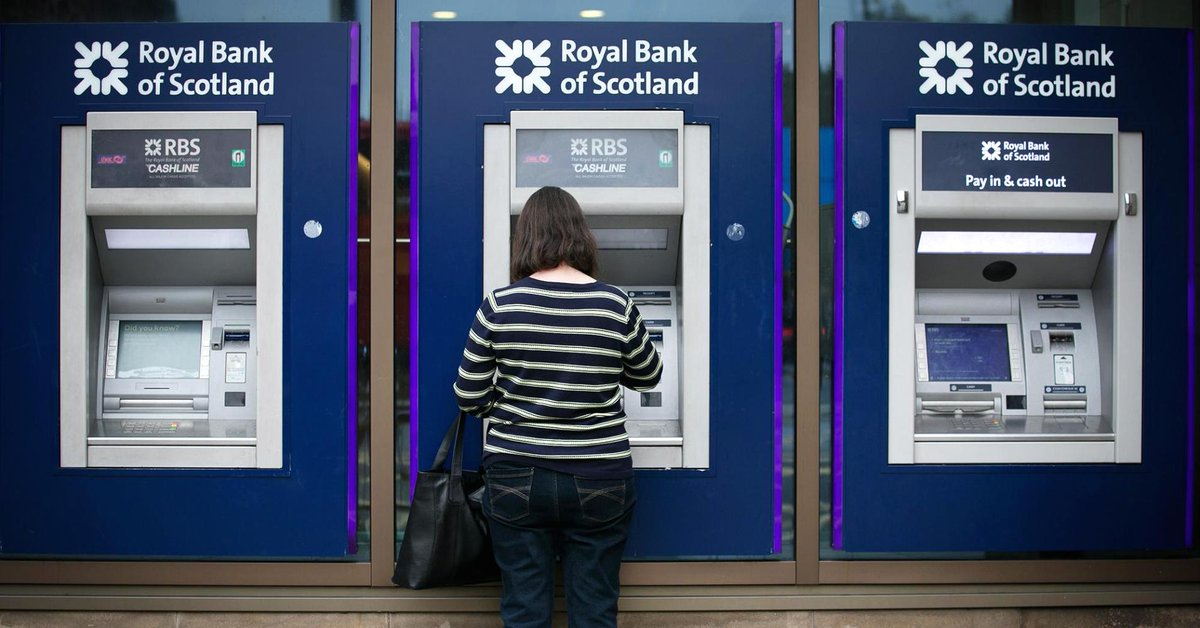 UK bank RBS reports an annual profit for the first time in decade https://t.co/kQRuzMy9AY