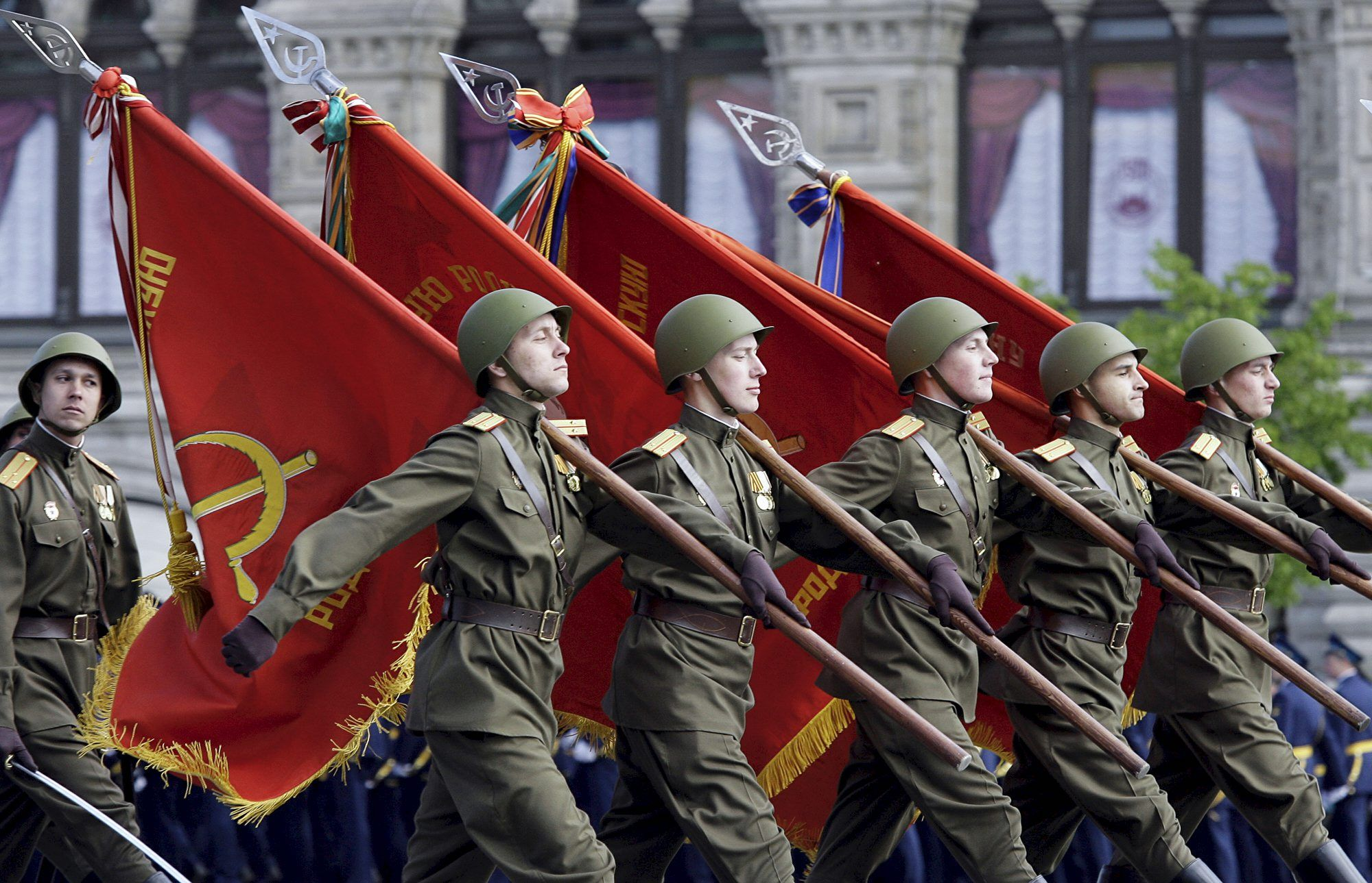 этом картинки знамя красной армии желающие могут