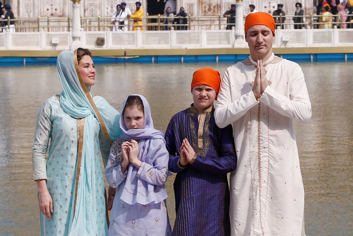 Justin Trudeau's Indian outfits mocked tirelessly on Twitter https://t.co/RYV8rMRti2
