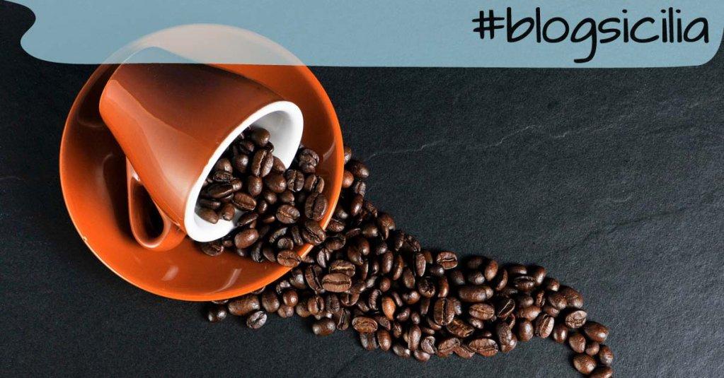 """""""Per iniziare la giornata scelgo un caffè, per continuarla, un sorriso"""" S. Littleword https://t.co/w96EYde0LE"""