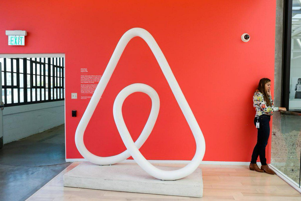 Stymied by regulators, Airbnb looks to l...