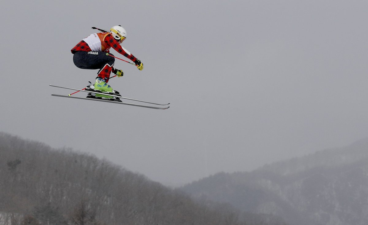 WATCH NOW: Freestyle women's ski cross final and biathlon are underway in the #WinterOlympics https://t.co/P8CRh1VRwW via @NBCOlympics