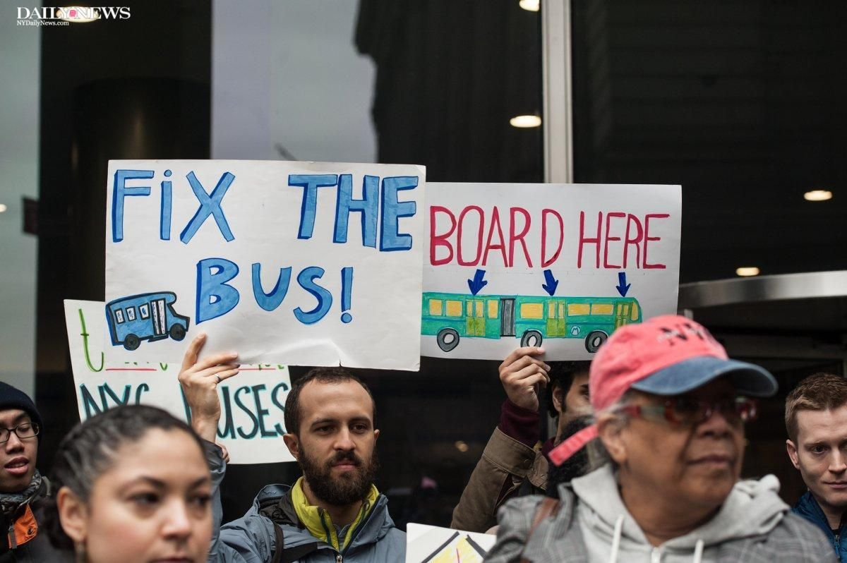Transit advocates fed up with pokey bus service want the next fare-payment technology to allow bus passengers to enter from every door https://t.co/US1iH7Au6V
