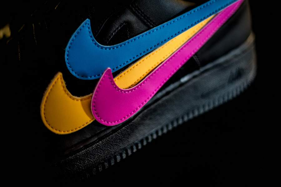 ea85e90a773b3 ... hot sole links on twitter nike air force 1 07 qs swoosh pack blackt.co