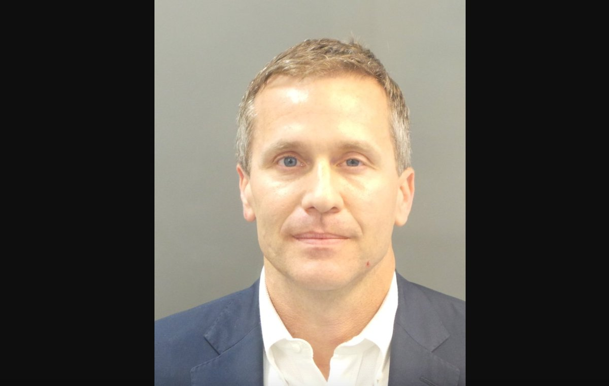Dems call on Missouri governor to resign over felony charge in naked photo blackmail scandal https://t.co/YWNyk4R1U3