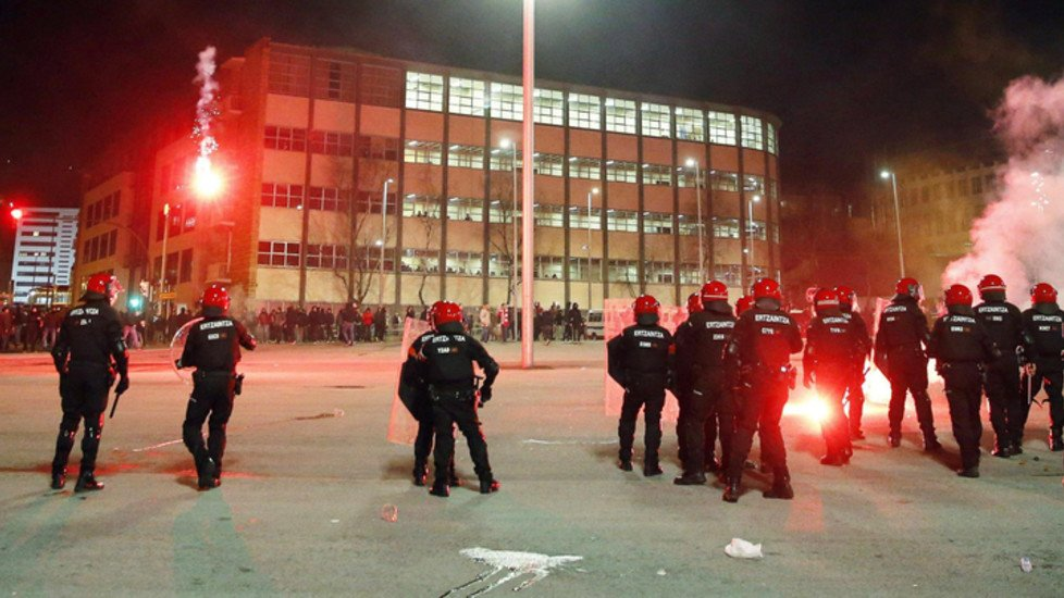 Scontri a Bilbao tra tifosi dell'Athletic e Spartak Mosca: muore un poliziotto - https://t.co/lnkkYuTPVa #blogsicilianotizie #todaysport