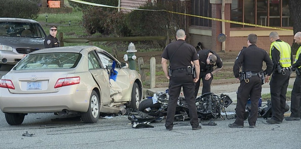 Man killed after motorcycle collides with car in Greensboro https://t.co/3DOXWVUHoX
