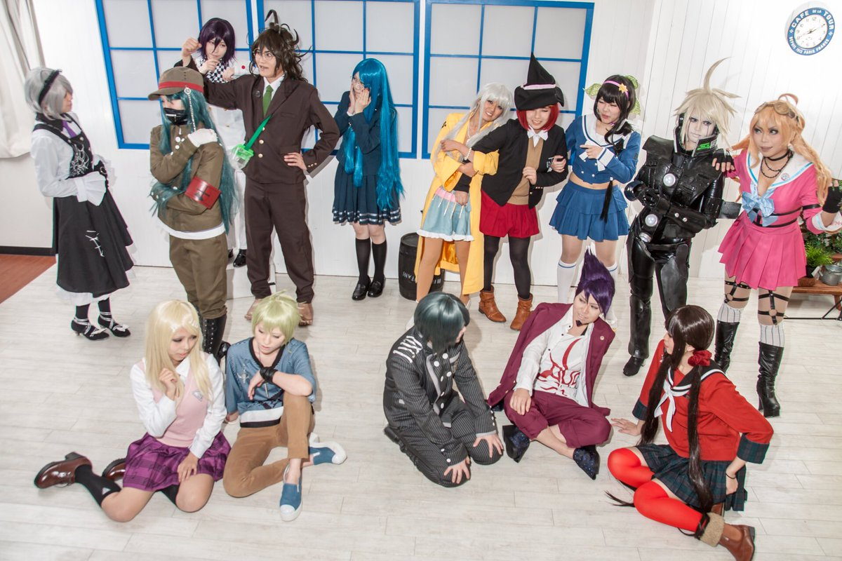 [cosplay] ニューダンガンロンパV3  全体集合!星くん以外揃ってて豪華だった…!皆さんありがとうございました💖  1枚目上&3枚目&4枚目:けんいちさん 1枚目下&2枚目:南條さん