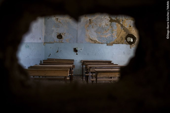 The 🔑 to peace - ensure all children can access education.  But what happens to the children, deprived of their right to go to school?  We are given a glimpse of this in the #UNESCOCourier's 'Hijacked Education' article.  ℹ️https://t.co/R1K56FD59a