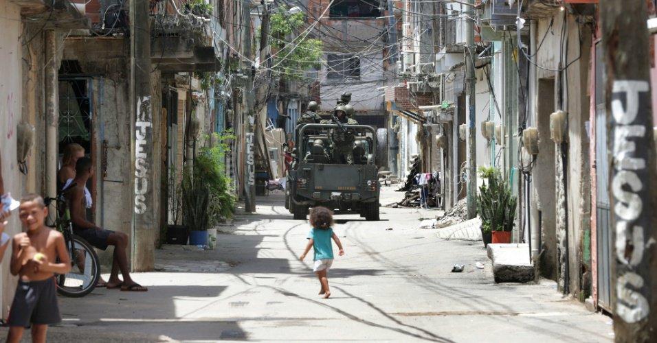 'Pedimos educação, vem Caveirão': para jovens de favelas, intervenção não leva à segurança https://t.co/qtncLMIsl8