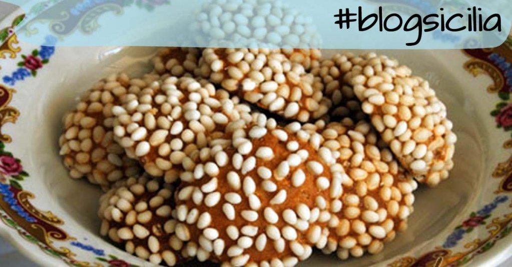 """""""Ogni istante passato nell'attesa è un'occasione di felicità sprecata"""". L. Capuano  Buon pranzo da #blogsicilia"""