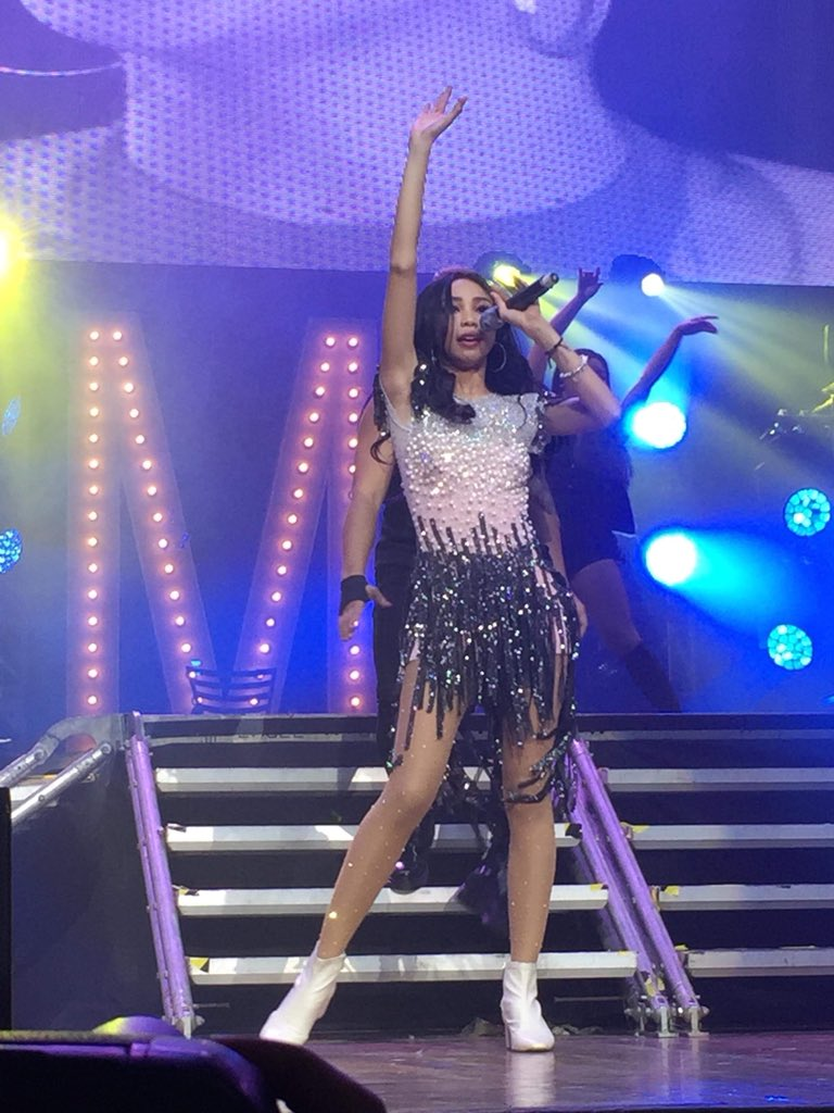 Maymay Entrata opens her #MaymayLivingTheDream concert with Lady Gaga's 'Just Dance'