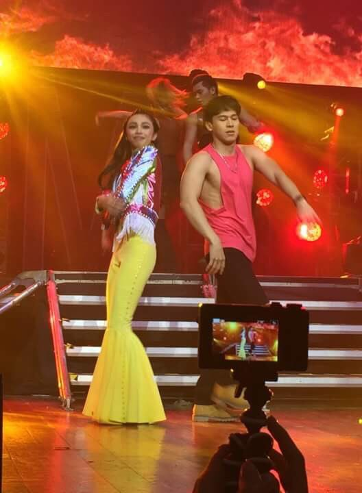 . @MarydaleEntrat5 and @enchongdee777 dance to a remix of @rihanna's 'Work' and @camilacabello97's 'Havana'#MAYMAYLivingTheDream