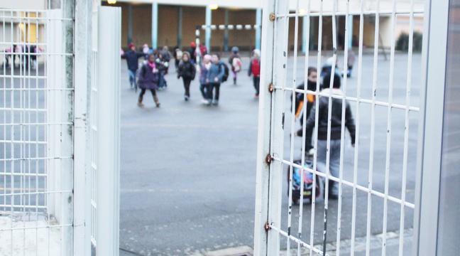 Grasse: Trois mères de famille tendent un guet-apens à l'institutrice, à la sortie de l'école https://t.co/zEE2VBhMXK