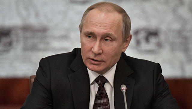 Макрон и Меркель обратились с просьбой к Путину