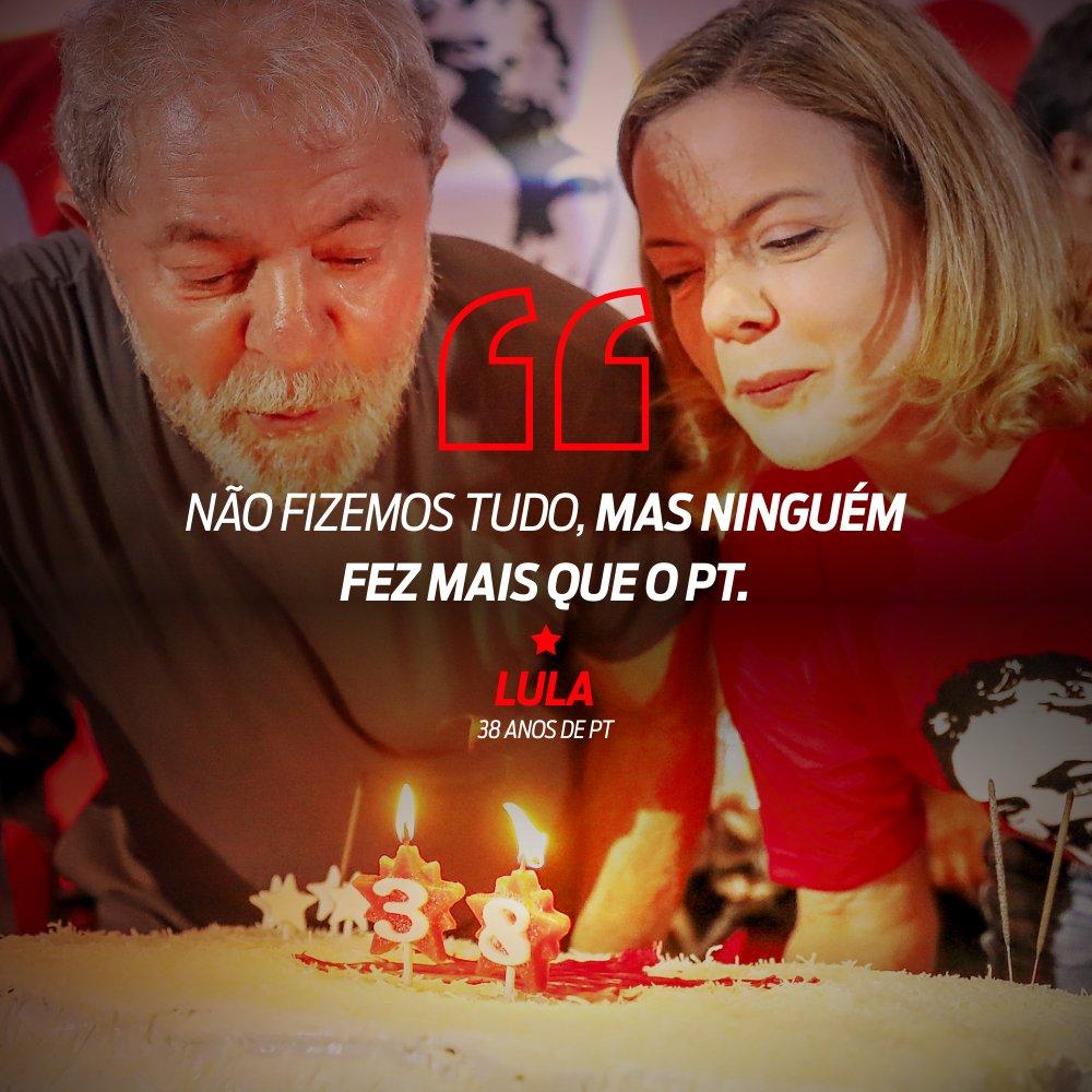 Lula lembrou da trajetória e dos nomes que marcaram a história do PT durante ato pelos 38 anos do partido, na última quinta-feira. 👉👉 https://t.co/lpdBWQOu66