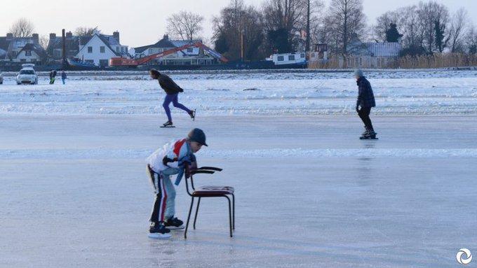"""#IJsnota! AGV-bestuurder Pieter Kruiswijk: """"We willen dat mensen straks wel kunnen genieten van het ijs in ons mooie gebied"""". https://t.co/xLWAaqs8di"""