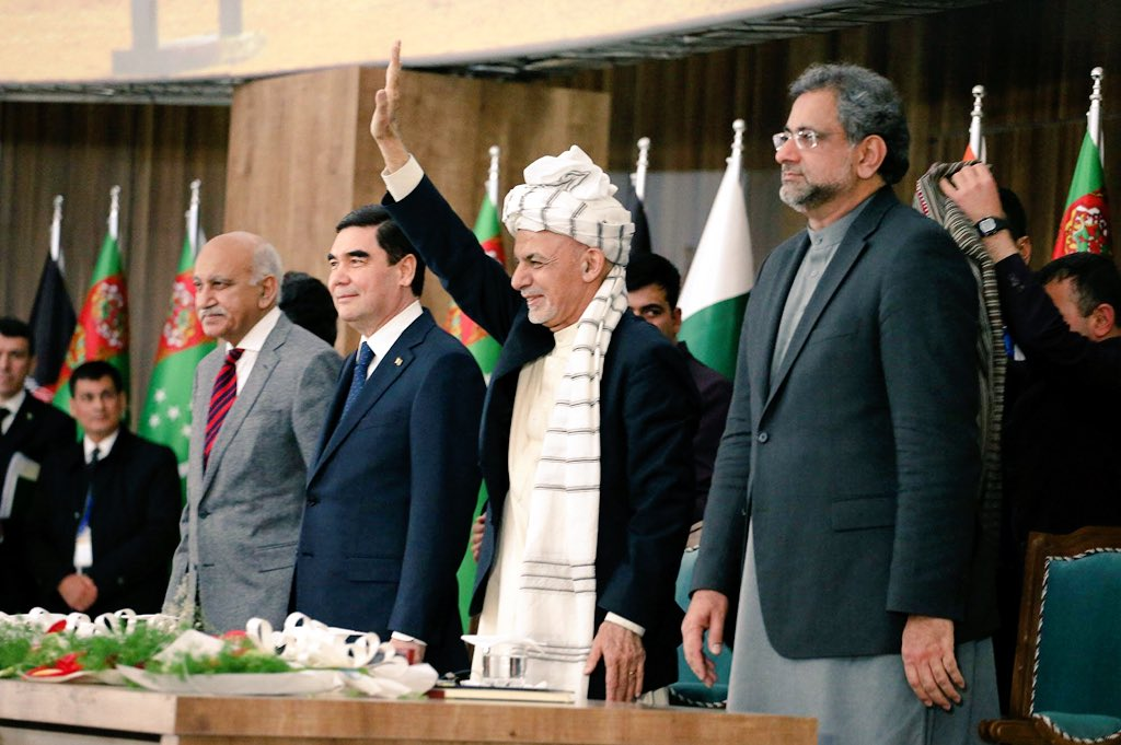 Multiple high-level events on mega energy, power transmission, fiber optics and railways took place today in Herat province between heads of states of Afghanistan 🇦🇫 Turkmenistan 🇹🇲 Pakistan 🇵🇰 India 🇮🇳 @RECCAfghanistan
