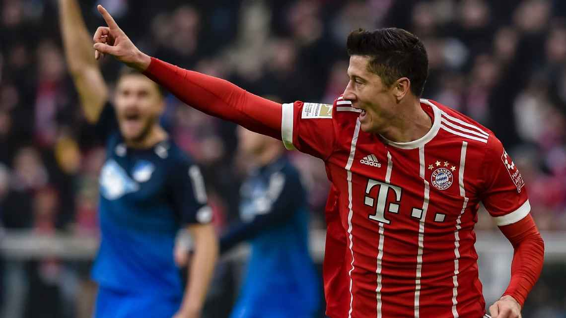 Bayern Munich have dismissed speculation that Robert Lewandowskis split from his agent indicates a move away from the German champions. es.pn/2FqK18r