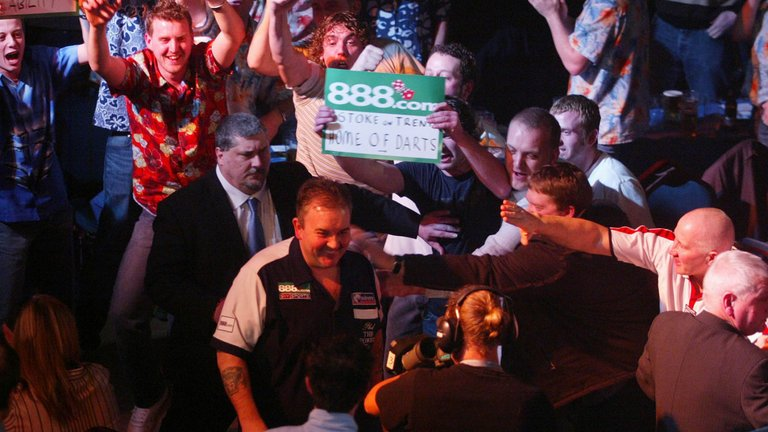 🎯🇩🇪THE STORY OF PL DARTS: From Carlisle, Taunton & Kidderminster to a record breaking night in Berlin,   & @MattPorter_PDC @Wayne501Mardleon how @MvG180  was, i@OfficialPDCs#PLDarts and could be  #LoveTheDartshttps://t.co/prgXYxBQvm