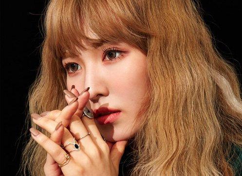 #RedVelvet's Wendy Becomes A Holographic...