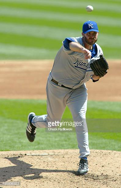 Happy Birthday to former Kansas City Royals player Scott Elarton(2006-2007), who turns 42 today!