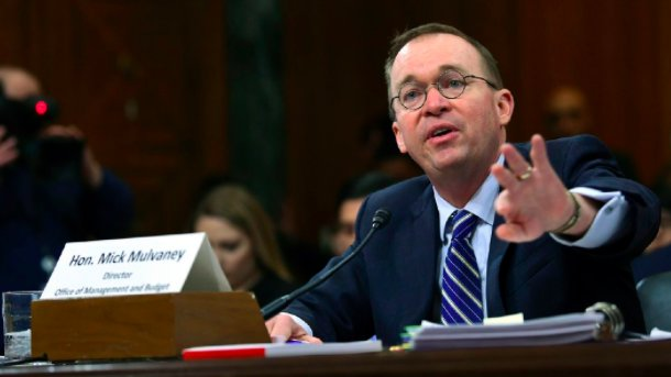 Mick Mulvaney dodges Elizabeth Warren on payday loans with allusion to her support from trial lawyers https://t.co/SInw1u9oaI