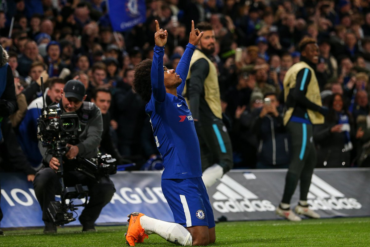 Antonio Conte insisted that he does not regret making Willian wait for a run in the Chelsea team. es.pn/2ENOdSR