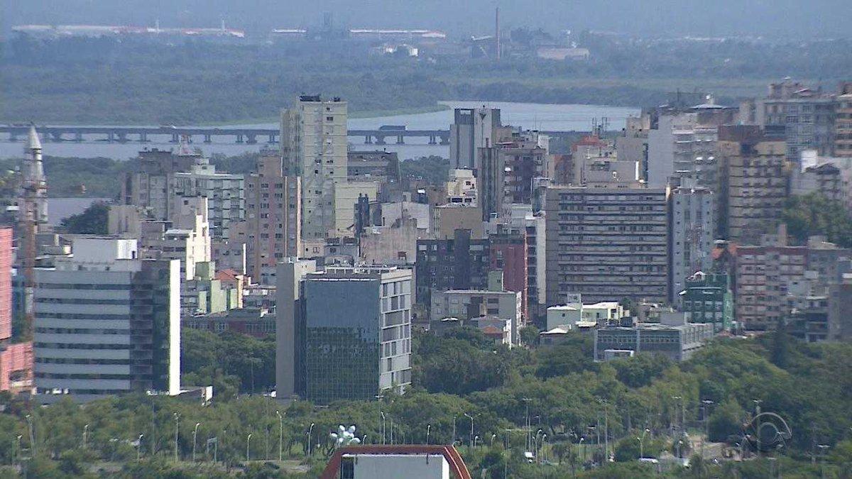 Porto Alegre registra arrecadação recorde em 2017, mas prefeitura diz que dinheiro não é suficiente https://t.co/vqtMWnDjHl