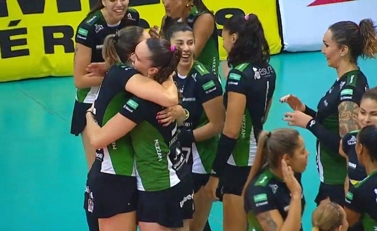 Bauru passa fácil pelo Valinhos e se garante nos playoffs da Superliga feminina https://t.co/aObglmcSDD