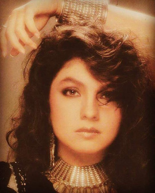 Wishing the Gorgeous Pooja Bhatt a very Happy Birthday.....