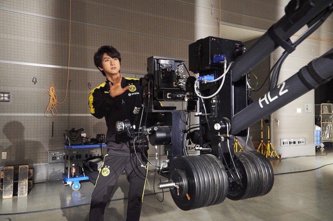 第12話コント収録時のオフショット! 相葉裕樹 さんもカメラアングルを入念にチェック!? そんなお姿