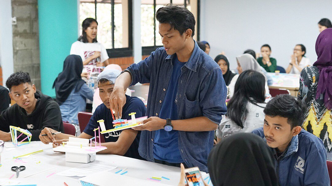 The Participants Were Enthusiastic About How Models Are Made And A Little  Glimpse Of Architecture Photography Class. See You On Another Workshop  Event From ...