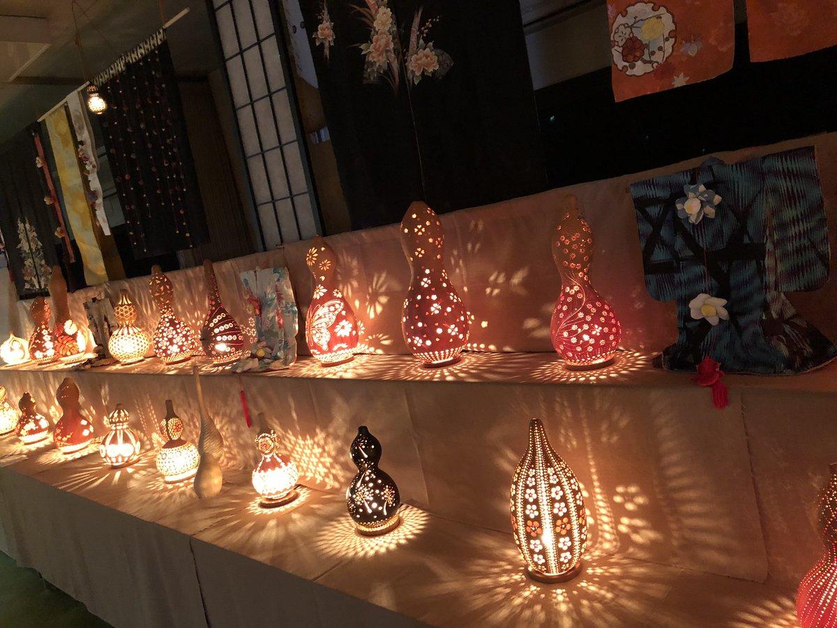 弘道館隣の鹿島神社では今年もひょうたんランプ展示会がやってたよ。とても綺麗だから時間がある子は是非寄ってみてね。