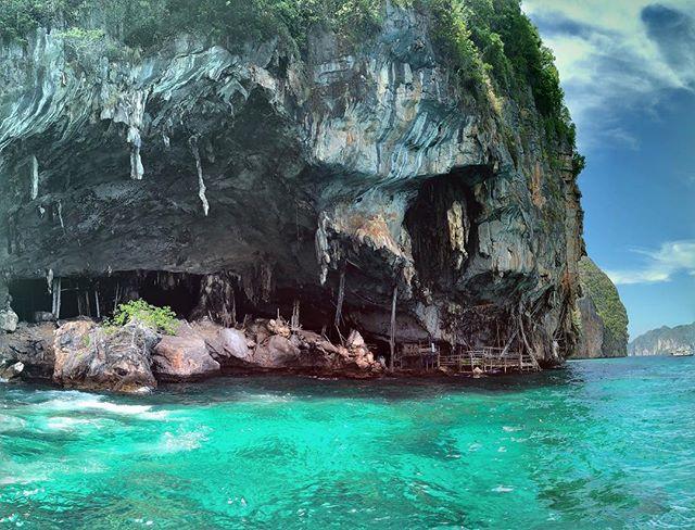 test Twitter Media - Viking Cave! Loved this shot! #iPhoneX #PhiPhi #Viking #Phuket #Krabi #Thailand #AndamanSea #Ocean #Water #travel #travelblogger #travelersnotebook #travelphotography #travelogue #travelgram #travelAsia https://t.co/3LVCfas5yI https://t.co/k70YkEXKOF