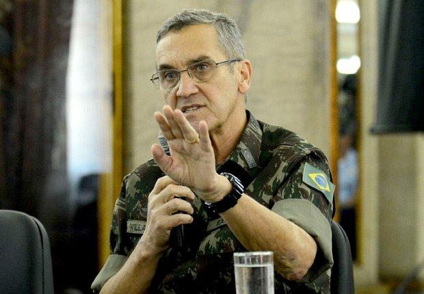 Blog do Josias:  Exército quer medidas legais de 'caráter excepcional' na intervenção do Rio https://t.co/JevKoFX5jJ