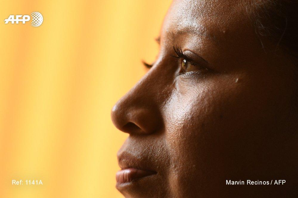 Elle vient de passer 11 années en prison pour une fausse couche : la Salvadorienne Teodora Vasquez appelle son pays à changer la législation anti-avortement, parmi les plus strictes du monde, pour qu'aucune femmes n'ait 'plus jamais' à vivre ça https://t.co/KPZ7g03TLQ #AFP